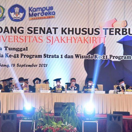 Wisuda ke-42 S1 dan ke-21 S2 Universitas Sjakhyakirti, Ballroom Hotel Aryaduta Palembang, Sabtu 18 September 2021